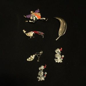 Jewelry - Vintage brooches- set of 6